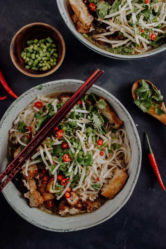 simone-fuerst-fotografie-food-vegan-pho-suppe-vietnam
